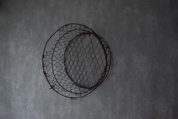 古い鉄網籠